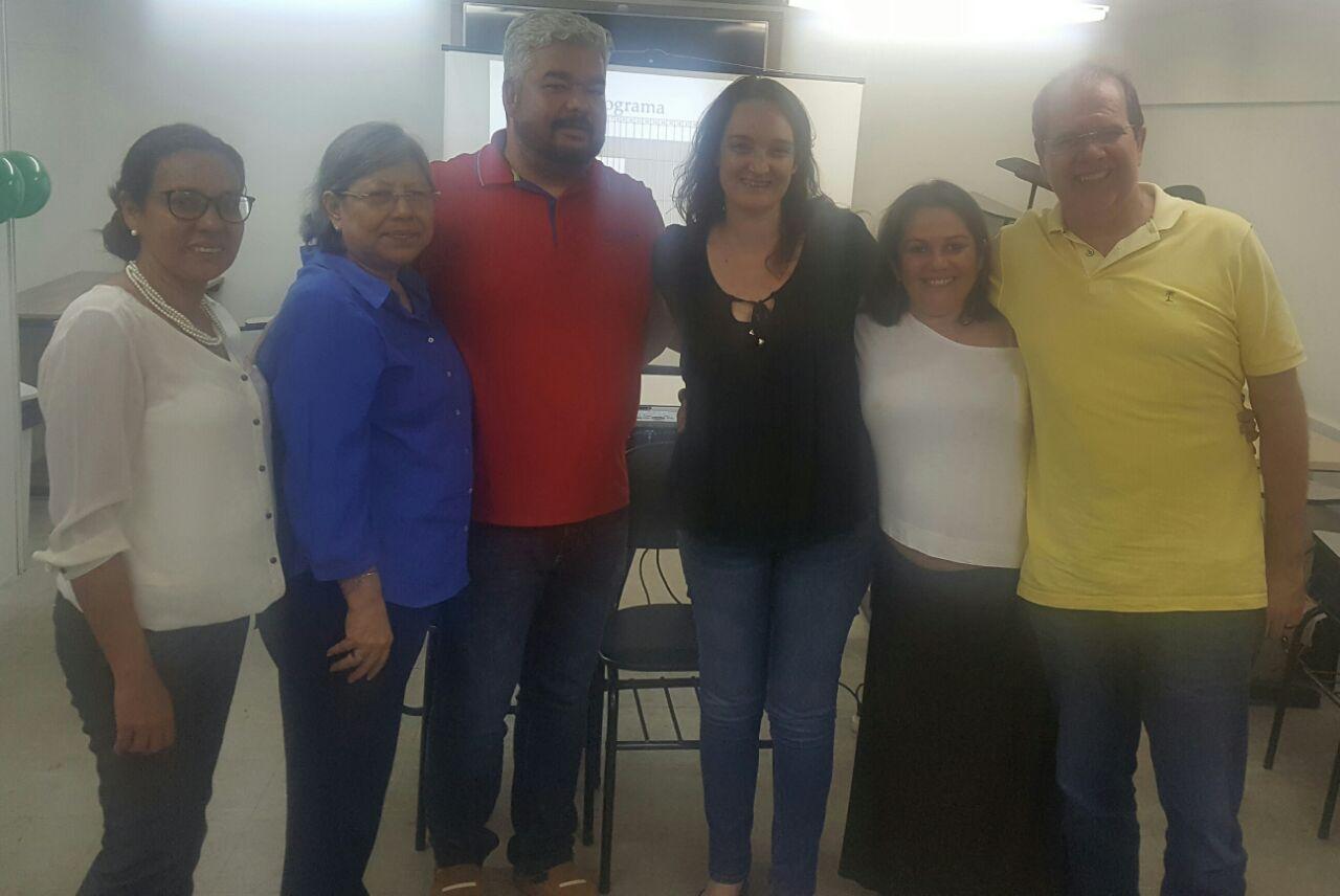 """Professora e militante da Rede Unida apresenta projeto """"Planejamento da Força de Trabalho para Urgência e Emergência"""" em Manaus"""